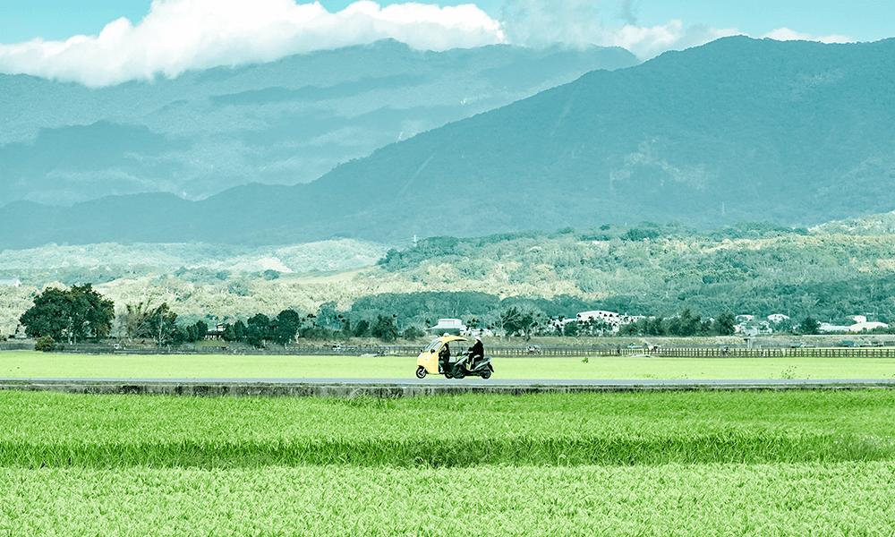 位於花東縱谷北段,西有中央山脈,東有海岸山脈,因雨量充沛,造就了聞名全國的優質池上米。
